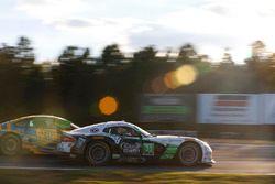 #33 Riley Motorsports SRT Viper GT3-R: Ben Keating, Jeroen Bleekemolen, Marc Miller, #97 Turner Moto