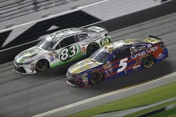 Matt DiBenedetto, BK Racing, Toyota; Kasey Kahne, Hendrick Motorsports, Chevrolet
