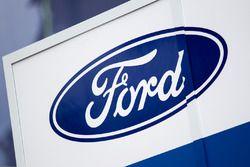 Ford Chip Ganassi Racing zona de Paddock y logo