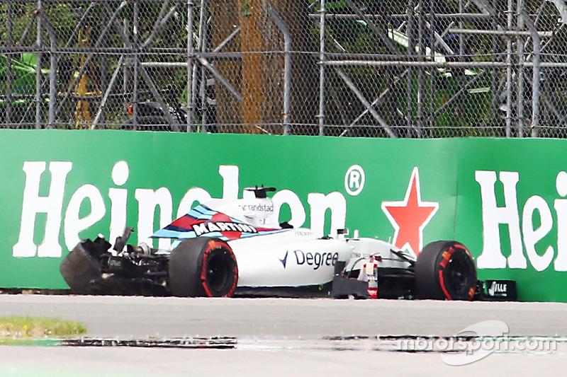 Felipe Massa, Williams FW38: l'incidente nelle primo turno di prove libere