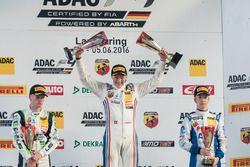 Podio: 2. Jannes Fittje, US Racing; 1. Fabio Scherer, Jenzer Motorsport; 3. Mike David Ortmann, Mücke Motorsport
