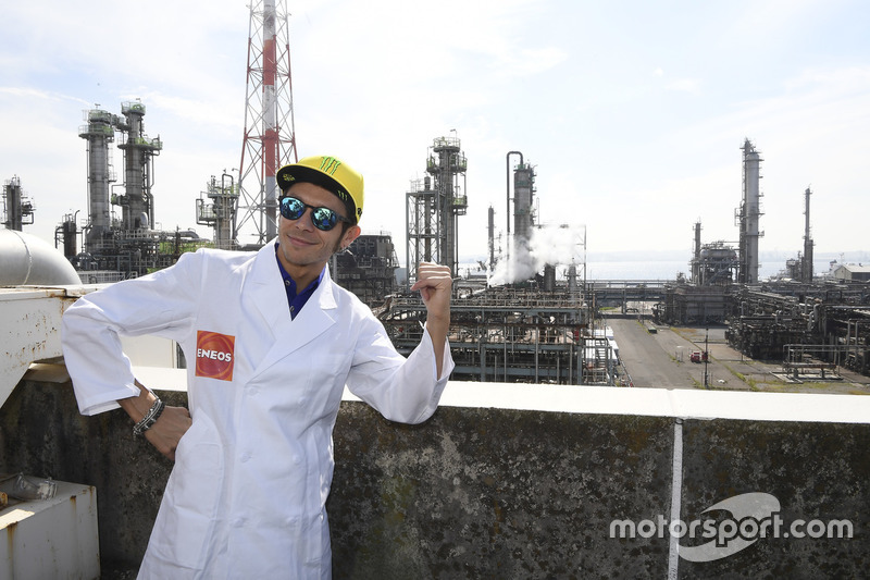 Valentino Rossi, Movistar Yamaha MotoGP visita X Refinería y el R&D Center en Yokohama