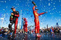 Podio: il vincitore Lucas di Grassi, ABT Schaeffler Audi Sport, secondo place Stéphane Sarrazin, Ven