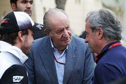 Fernando Alonso, McLaren con el ex rey de España Juan Carlos y Carlos Sainz