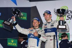Podium GTE PRO: winnaars #67 Ford Chip Ganassi Racing Team UK Ford GT: Andy Priaulx, Harry Tincknell