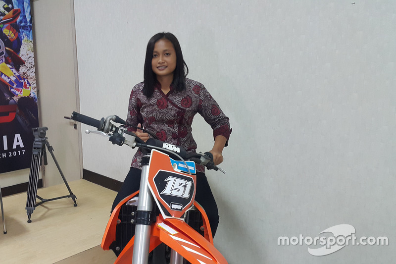 Suci Mulyani, pembalap motocross nasional