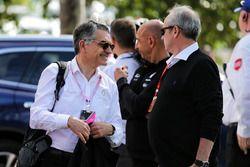 Patrice Ratti, Gerente de General de coches Renault Sport con Jerome Stoll, Presidente de Renault Sp