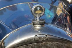 Logo: Peugeot