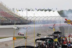 Matt Tifft, Joe Gibbs Racing Toyota accidente