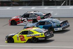Пол Менард, Richard Childress Racing Chevrolet, Джастин Алгайер, JR Motorsports Chevrolet и Ти Дилло