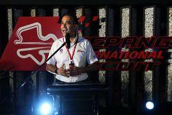 Tan Sri Azman, Presidente del circuito internacional de Sepang en el BBQ de Petronas