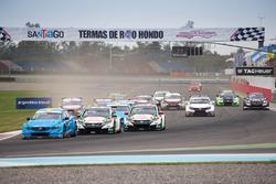 Arrancada: Nicky Catsburg, Polestar Cyan Racing, Volvo S60 Polestar líder