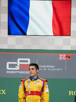 Podium: race winner Giuliano Alesi, Trident