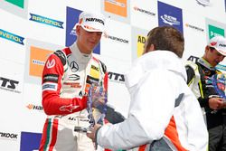 Podio Rookie: il secondo classificato Mick Schumacher, Prema Powerteam, Dallara F317 - Mercedes-Benz
