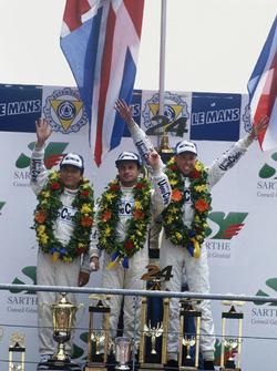 Podium: race winners J.J. Lehto, Yannick Dalmas, Masanori Sekiya
