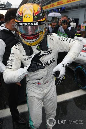Polesitter Lewis Hamilton, Mercedes AMG F1 feiert im Parc Ferme