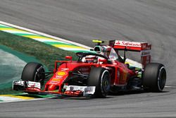 Kimi Raikkonen, Ferrari SF16-H avec un Halo
