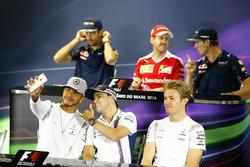Lewis Hamilton, Mercedes AMG F1 and Felipe Massa, Williams and Nico Rosberg, Mercedes AMG F1 in the FIA Press Conference