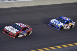 Chris Buescher, JTG Daugherty Racing Chevrolet, A.J. Allmendinger, JTG Daugherty Racing Chevrolet