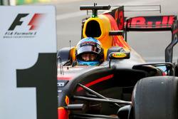 Race winner Daniel Ricciardo, Red Bull Racing RB13