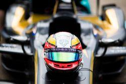 Helm von Jean-Eric Vergne, Techeetah, auf seinem Auto