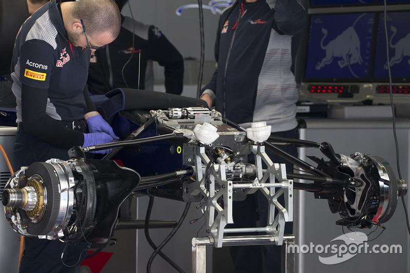Scuderia Toro Rosso STR12