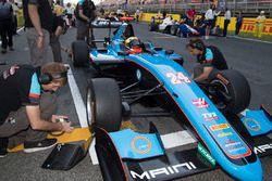 Arjun Maini, Jenzer Motorsport on the grid before Race two