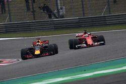 Sebastian Vettel, Ferrari SF70-H; Daniel Ricciardo, Red Bull Racing RB13