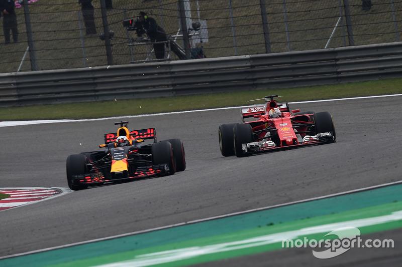 Sebastian Vettel não conseguiu derrotar Hamilton e terminou em segundo, mas protagonizou uma bela disputa com Daniel Ricciardo.