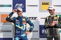 Podium : le deuxième, Ferdinand Habsburg, Carlin, Dallara F317 - Volkswagen, le vainqueur Lando Norris, Carlin, Dallara F317 - Volkswagen