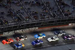 Justin Allgaier, JR Motorsports Chevrolet e Daniel Suárez, Joe Gibbs Racing Toyota