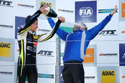 Race winner Lando Norris, Carlin, Dallara F317