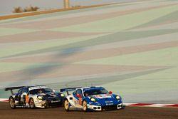 #78 KCMG Porsche 911 RSR: Christian Ried, Wolf Henzler, Joël Camathias, #88 Proton Racing Porsche 91