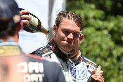 Le vainqueur Andreas Mikkelsen, Volkswagen Motorsport