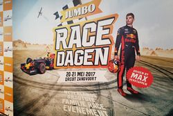 Баннер Jumbo Racedagen driven by Max Verstappen