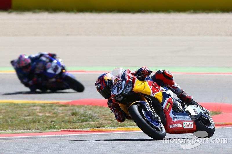 Stefan Bradl, Honda World Superbike Team; Alex Lowes, Pata Yamaha