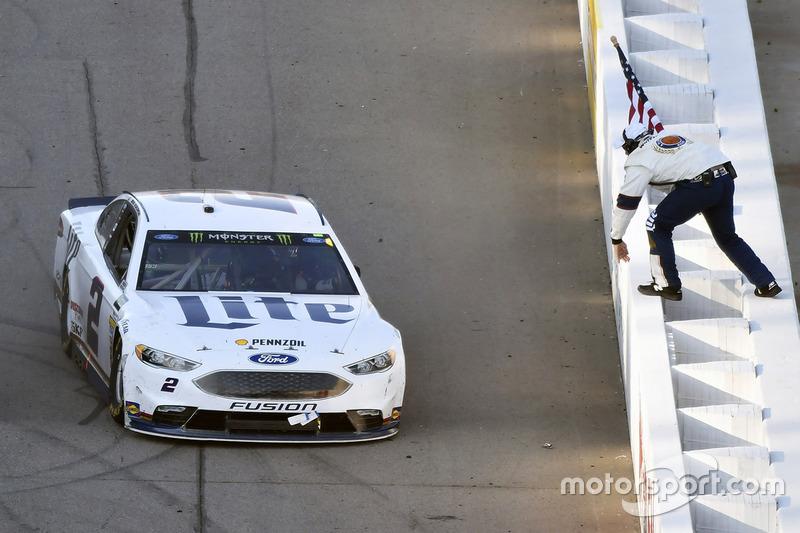 Ganador, Brad Keselowski, Team Penske Ford