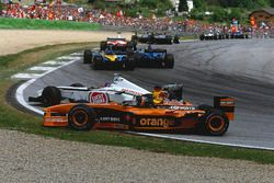Jacques Villeneuve, BAR 004 Honda ve Heinz-Harald Frentzen, Arrows A23 Cosworth kaza