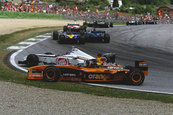 Accrochage entre Jacques Villeneuve, BAR 004 Honda et Heinz-Harald Frentzen, Arrows A23 Cosworth