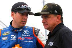 Kyle Busch, Kyle Busch Motorsports Toyota and Joe Nemechek, SWM-NEMCO Motorsports Chevrolet
