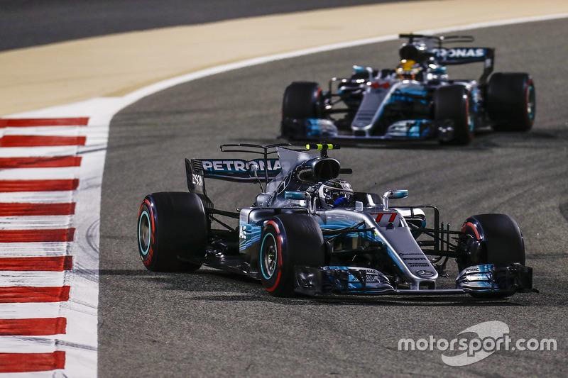 Valtteri Bottas, Mercedes F1 W08, Lewis Hamilton, Mercedes AMG F1 W08