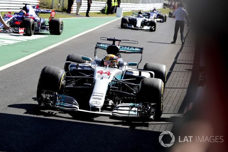 Lewis Hamilton, Mercedes AMG F1 memasuki Parc Fermé