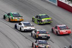 Kevin Harvick, Stewart-Haas Racing Ford, Joey Logano, Team Penske Ford