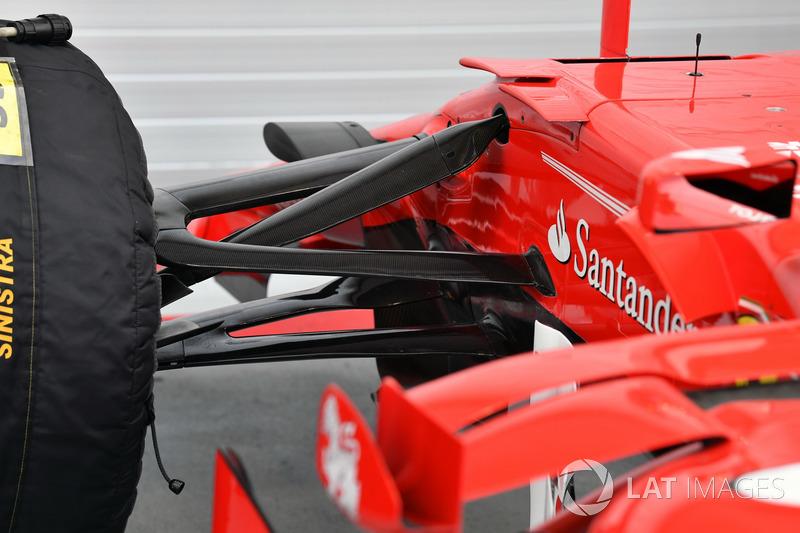 Vue détaillée de la suspension avant de la Ferrari SF70H