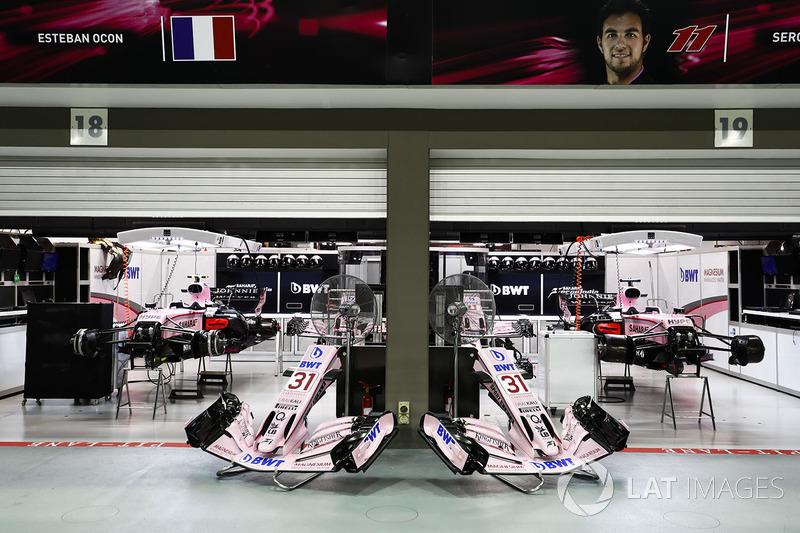 Garages of Esteban Ocon, Force India and Sergio Perez, Force India