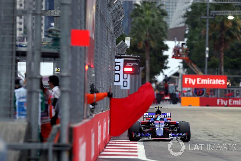 10. Carlos Sainz Jr., Scuderia Toro Rosso STR12