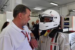 Experiencias de F1, auto con 2 plazas, pasajero y el piloto, Paul Stoddart
