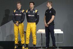 Pilotos de Renault Sport F1 Team Nico Hulkenberg, Jolyon Palmer, tercer conductor Serguei Sirotkin