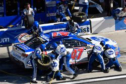 A.J. Allmendinger, JTG Daugherty Racing Chevrolet pit stop