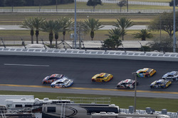 Denny Hamlin, Joe Gibbs Racing Toyota, Brad Keselowski, Team Penske Ford contact
